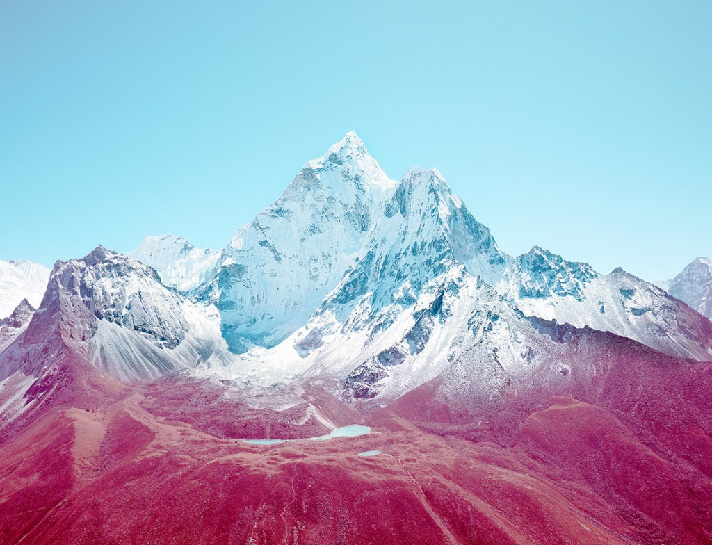 Famous-Photographer-Nick-Meek-Ama-Dablam-Nepal