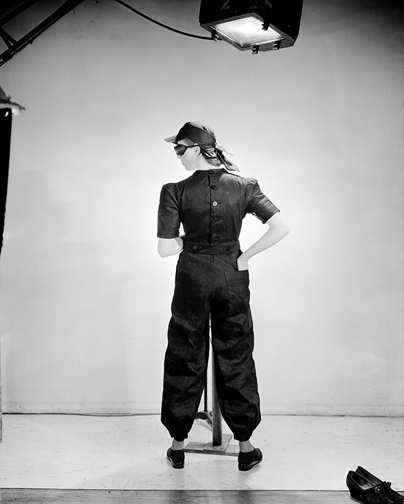 Lee-Miller-Photography-fashion_for_factories