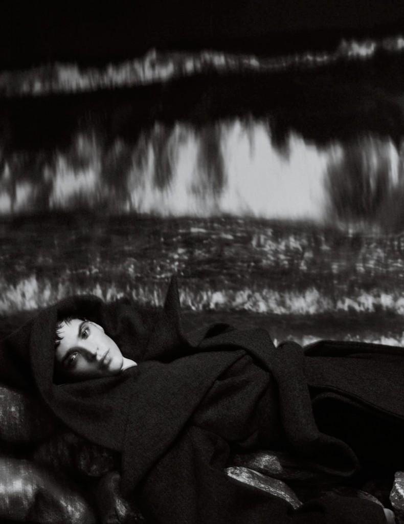 Txema-Yeste-Kerolyn-Soares-Vogue-Spain-December-2019-4