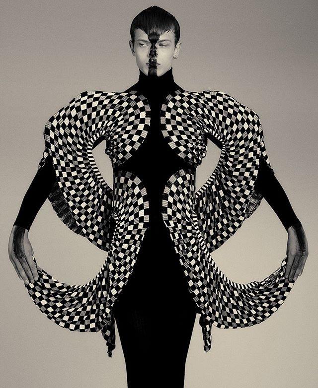 Kiki-Xue-Fashion-and-Art-Spring-2020-2