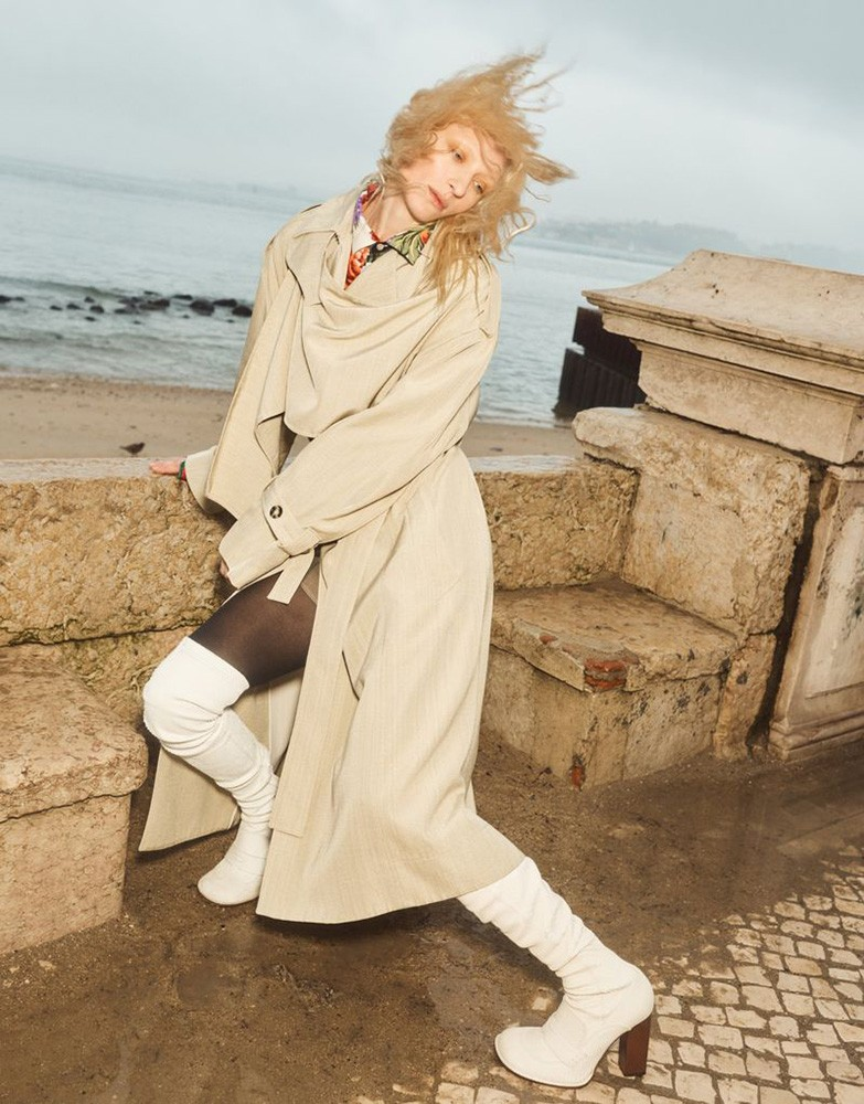 Emma-Tempest-for-Vogue-Germany-1