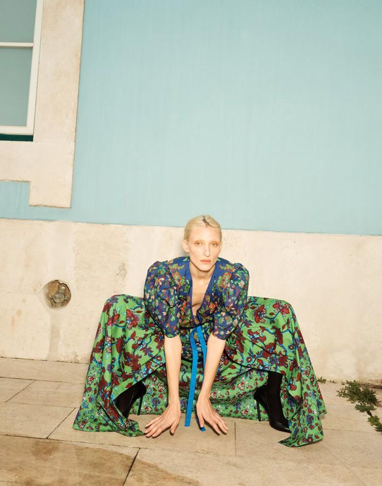 Emma-Tempest-for-Vogue-Germany-4