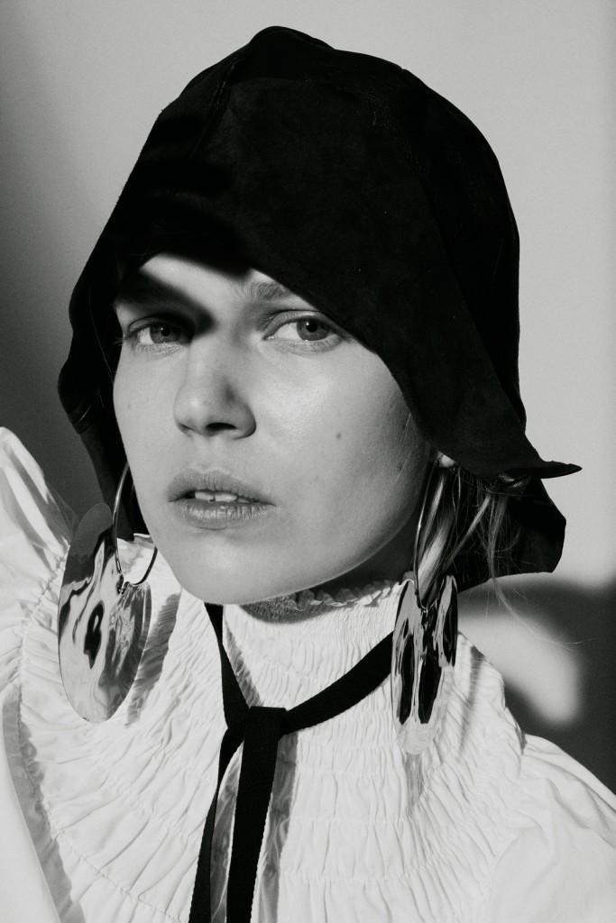 Marta-Bevacqua-Ola-Rudnicka-Les-Femmes-Publique-S:S20-6