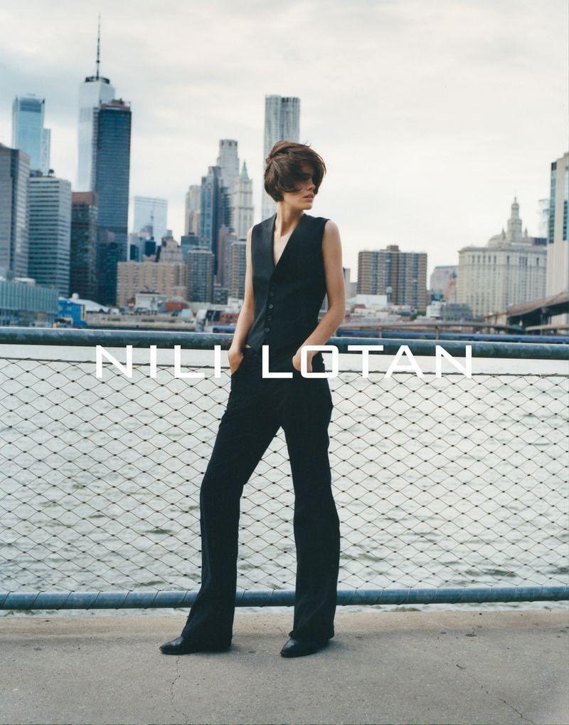 Alexander-Saladriges-shoots-the-Nili-Lotan-collection-SS20-5