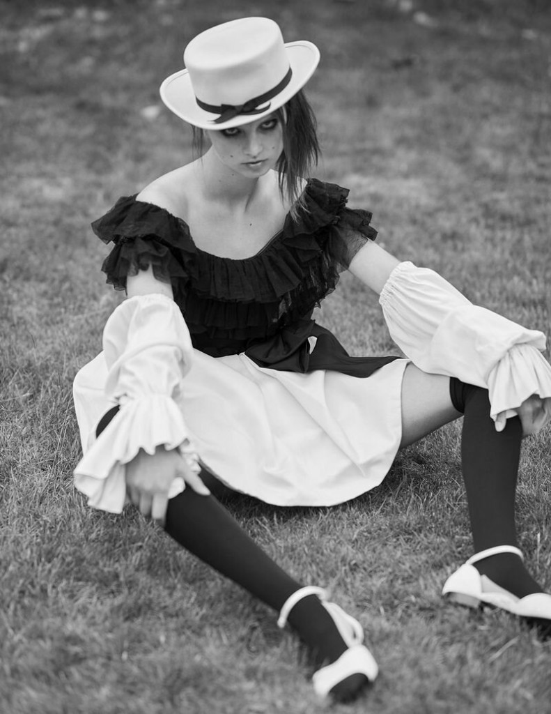 Giselle-Norman-by-Leon-Mark-for-Vogue-Ukraine-July-2020-7