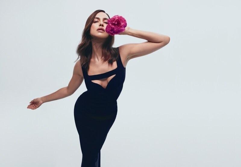 Joan-Smalls-Irina-Shayk-Bombshell-Fragrance-by-Zoey-Grossmann-4