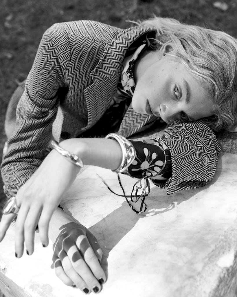 Anna-Daki-for-Vogue-Greece-with-Eliza-Kallmann-4
