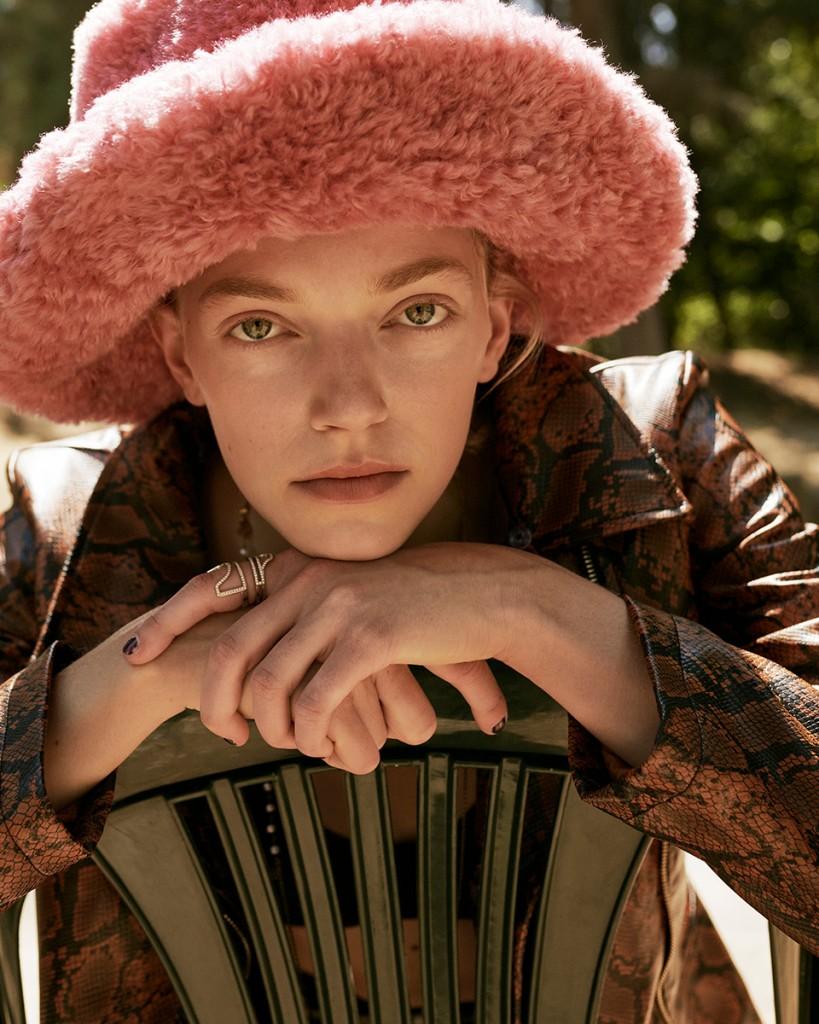 Anna-Daki-for-Vogue-Greece-with-Eliza-Kallmann-5