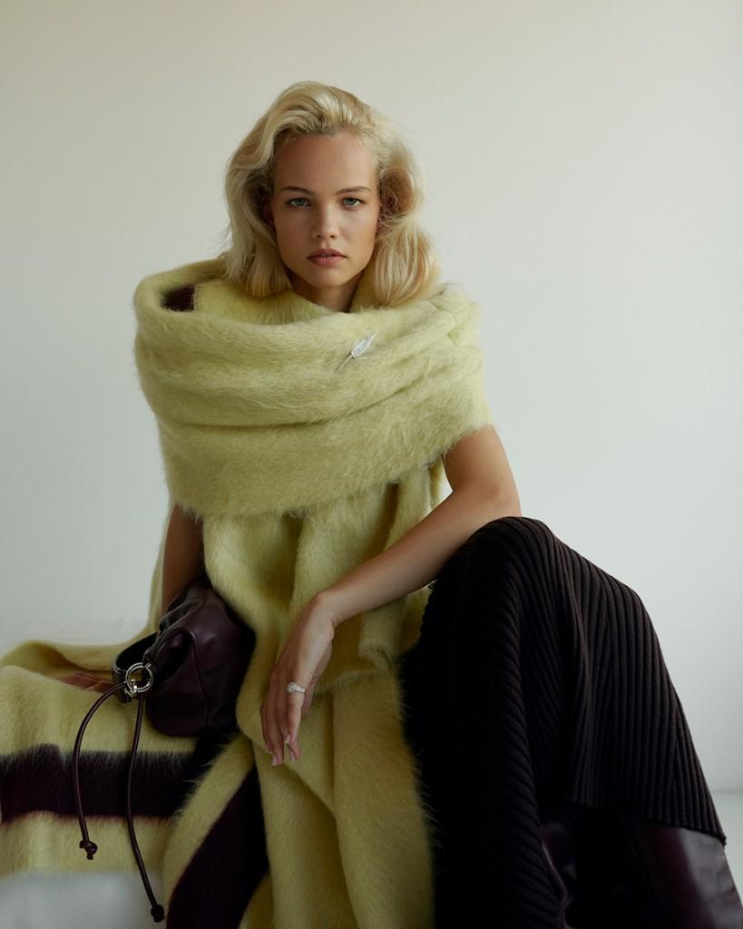 Anna-Daki-shot-Lilla-Molnar-for-Vogue-Greece-and-Vogue-Turkey-7