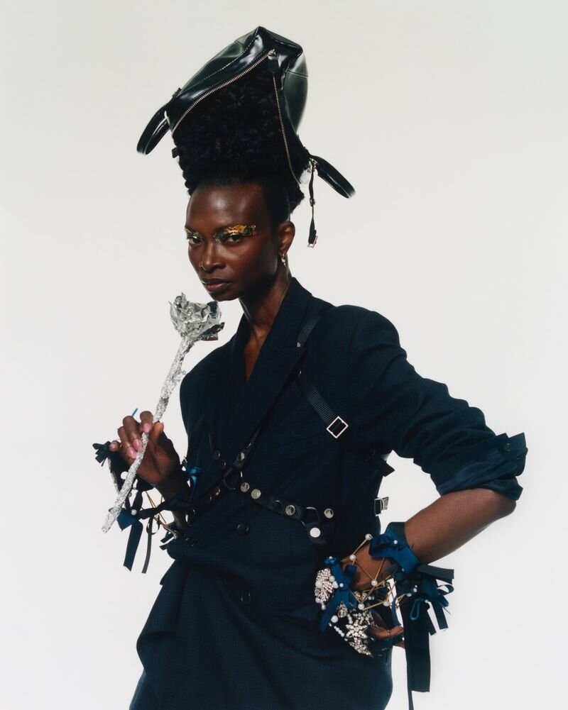 Debra Shaw by Andrew Nuding in Revue Magazine 10 AW 2020-6