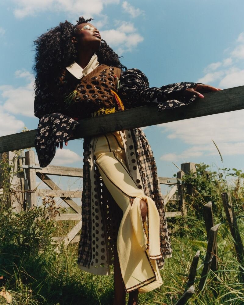 Debra Shaw by Andrew Nuding in Revue Magazine 10 AW 2020-7