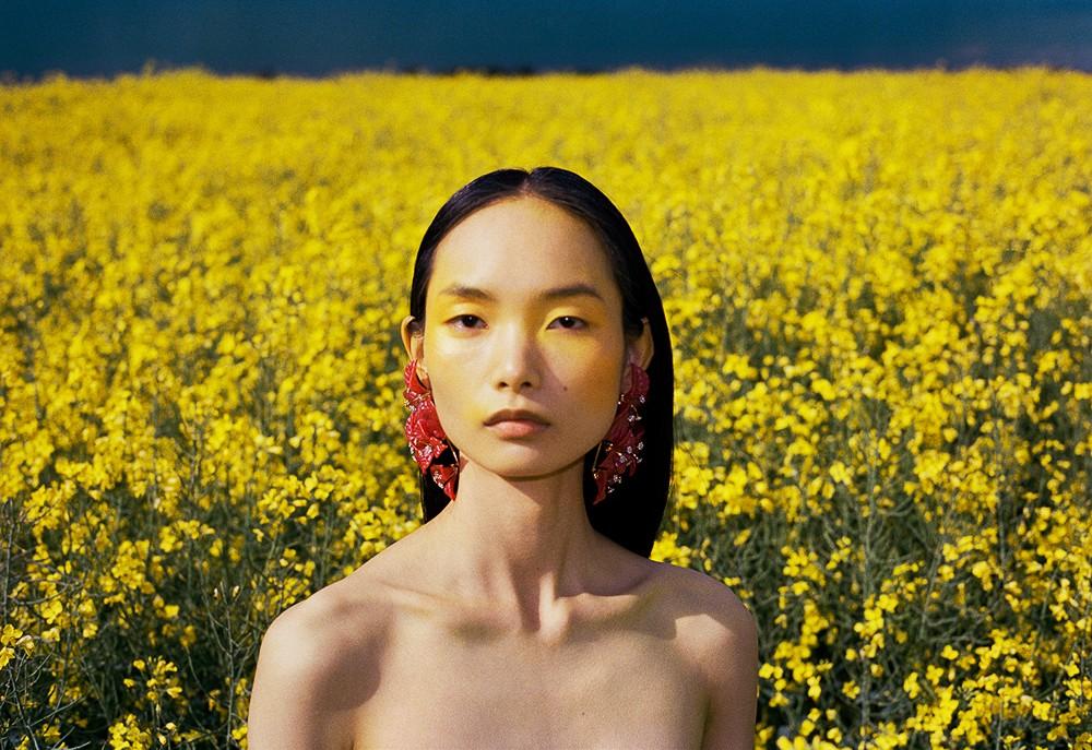 Photographer John-Paul Pietrus for Vogue Singapore with Ling Chen-6