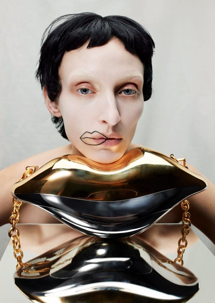 Schiaparelli Haute Coutureby photographer Léa Nielsen for Dansk Magazine FW21-3