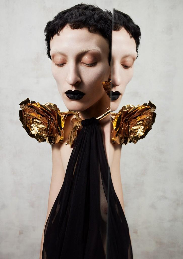 Schiaparelli Haute Coutureby photographer Léa Nielsen for Dansk Magazine FW21-4