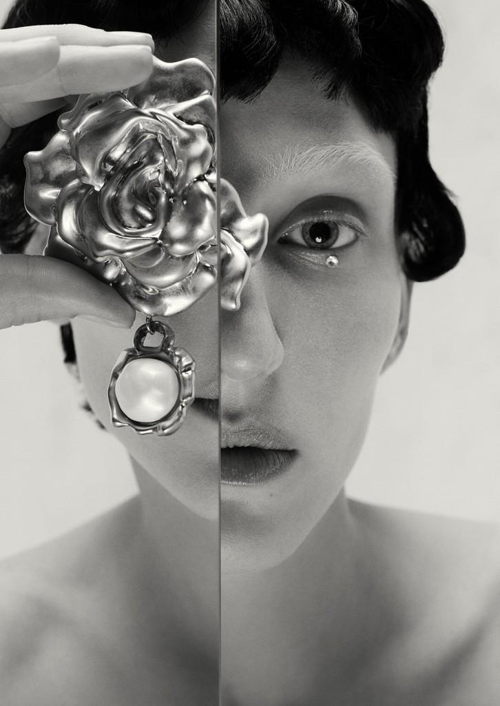 Schiaparelli Haute Coutureby photographer Léa Nielsen for Dansk Magazine FW21-6