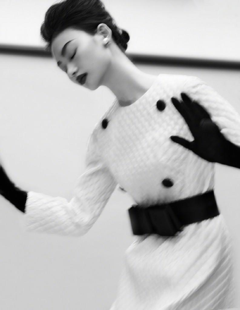 Photographer Txema Yeste for Harpers Bazaar China September Issue-3