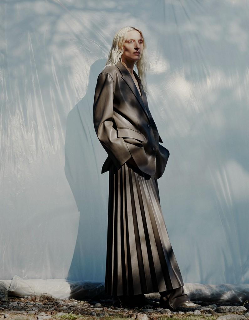 Photographer Julia Hetta for Aug:Sep 2021 issue of Vogue Scandinavia-4