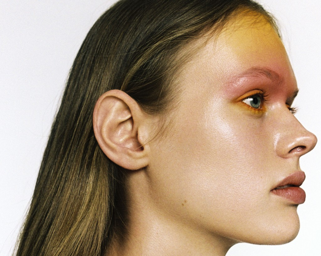 ACHTUNG MODE beauty editorial photographed by Anna Daki-7